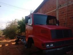 Vendo E troco chassis do 1620 ano 2009 sem o documento.cabine do 1418 .E motor do 1418