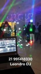 DJ com Som e iluminação para festas e eventos