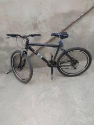 Bike bem conservada de alumínio Aro 26