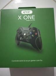 Controle Xbox one com fio lacrado