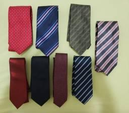 8 gravatas em bom estado por ótimo preço