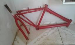 Esquadro e garfo de bicicleta