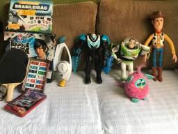 Brinquedos semi novos em perfeito estado!