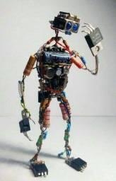 Vende se sucatas de eletrônicas componentes pra quem gosta de criar projetos
