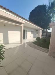 Casa com 05 quartos sendo 03 suítes, bairro Alto do Cruzeiro- Arapiraca/Al