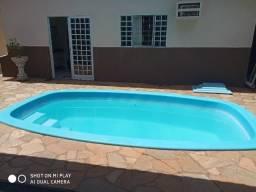 ÓTIMA OPORTUNIDASDE - Casa de 2 quartos, com 1 suíte, churrasqueira e piscina - AGENDE SUA