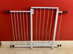 Grade de proteção para cães, com portão