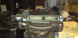 Vendo microfone kadosh duplo funcionando normalmente  bom pra coloca em rack