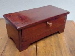 Porta jóia antigo em madeira