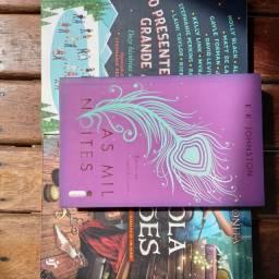 3 livros pelo preço de 2, 2 Romances e 1 de aventura