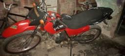 Vendo moto 125 todo em dias ou troco em outra zap *