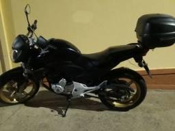 Moto CB 300 2015
