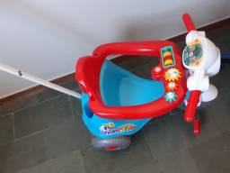 Velocita crianças toca músicas com brinquedos!