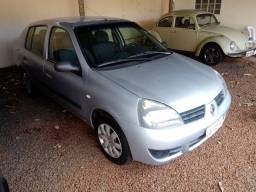 Clio sedan 2006 ar condicionado