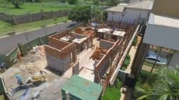 Construtora de casa de alto padrão contrata Pedreiro