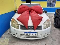 Fiesta Branco 2008 1.0 Completo menos Ar (S/ Entrada R$: 499,90)