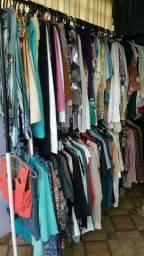 vendo lote de roupas semi novas femininas