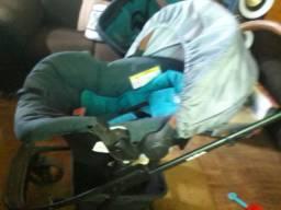 Carrinho y cadeirinha para bebê