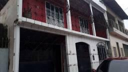 Casa na Marambaia, c/ área de lazer com churrasqueira, 4/4, sendo 2 suites, 2 vgs.