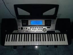 Teclado Yamaha PSR 550