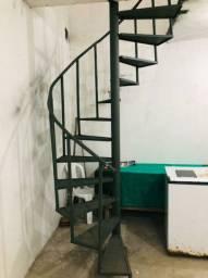 Vende-se escada nova