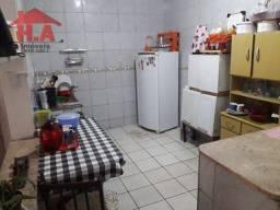 Casa à venda por R$ 650.000,00 - Cajazeiras - Fortaleza/CE