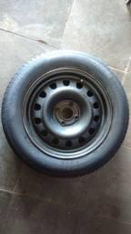 Roda completa aro 15 pneu 90% Pirelli
