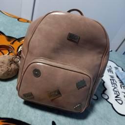 Bolsa backpack Moshoinot nova