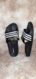 Chinelo slide Adidas Simpsons