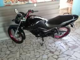 Vendo ou troco por moto maior - 2015