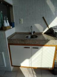 Pia de granito com cuba e armário e torneira deca