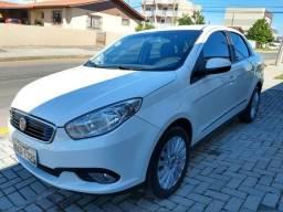 Fiat grand Siena 1.6 essence abaixo tabela fipe - 2017