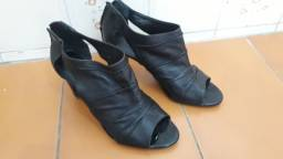 Sapato de couro Arezzo Salto