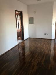 Venda de apartamento com três dormitórios e uma suite