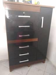 Cômoda 6 gavetas e um gabinete