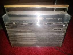 Vendo troco rádio antigo Philco