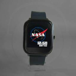 Smartwatch que faz lição e tem diversas funções de esporte..