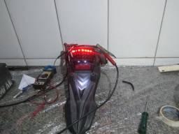 Lanterna traseira original com LED Cb 300