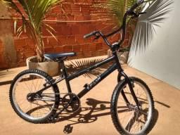 Bicicleta infantil aro 20 ( Caloi )