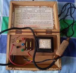 Pirógrafo antigo década 70 de 110/220 volts. Perfeito funcionamento