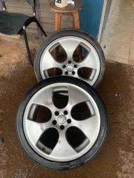 Vendo 2 Rodas aro 18, 1 pneu meia e 1 ruim, ideal para carretinhas! 550,00 as duas!