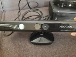 XBOX 360 COM 2 MANETES