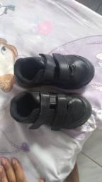 Vendo sapato todo preto