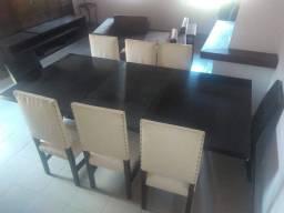 Linda mesa com 8 cadeiras - Oportunidade