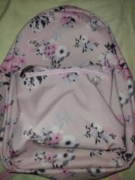 APROVEITE: Mochila simplesmente linda da GOCASE , Uma Marca única de mochilas lindas.