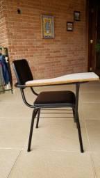 Cadeiras universitárias de courino