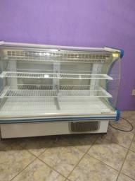 Balcão Refrigerador Expositor para tortas e doces