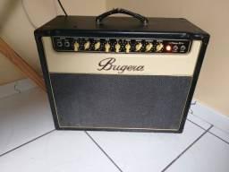 Ampli Bugera V22