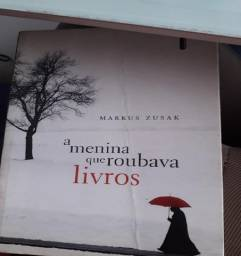 Livro A Menina que Roubava Livros, de Markus Zusak