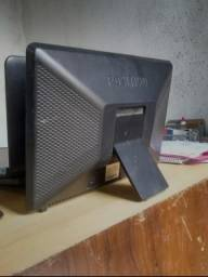 Monitor 17 polegadas com áudio embutido
